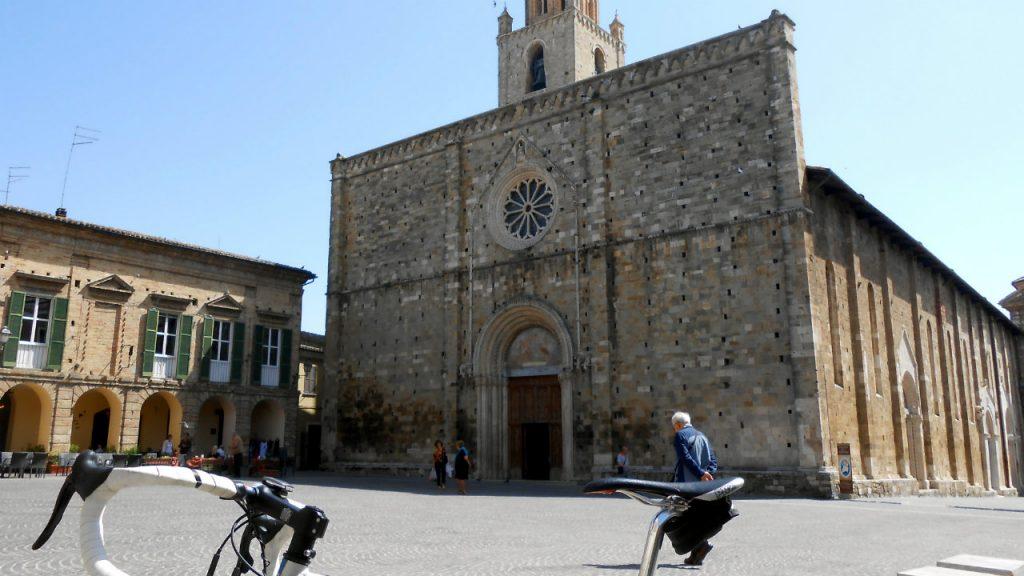 DSCN8284 La Cattedrale di Atri
